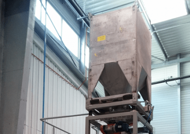 industrial container unloader