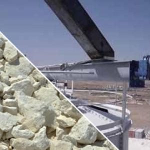 Discharge of big bags of cement for truck loading
