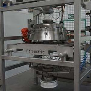 Workshop for the preparation of powder mixtures